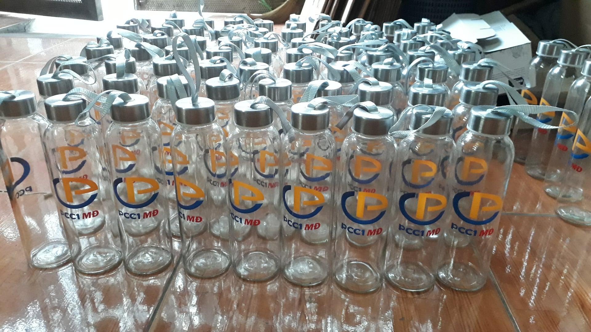 Bình đựng nước thủy tinh in logo