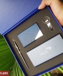 Bộ quà tặng giftset 21 in logo (USB Pha Lê + Sạc dự phòng + Bút + Ví namecard)