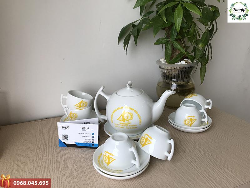 Bộ ấm trà Bát Tràng in logo giá rẻ Hà Nội