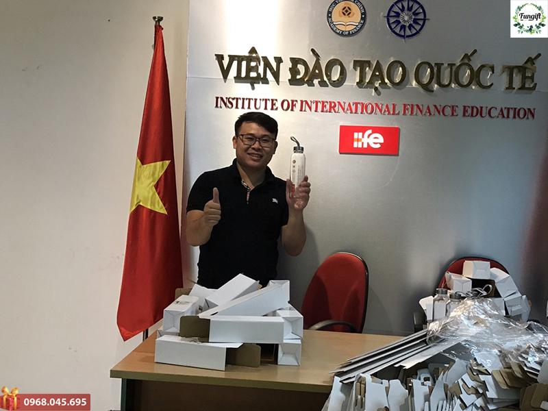 Bình nước in logo giá rẻ Hồ Chí Minh