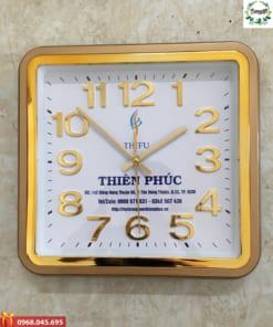 Đồng hồ in logo khung viền vàng