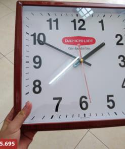 Đồng hồ treo tường mặt vuông in logo