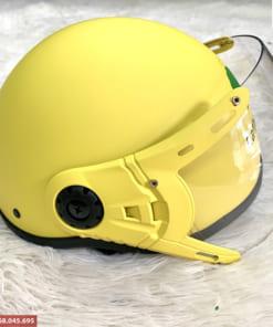 Mũ bảo hiểm nửa đầu có kính màu vàng