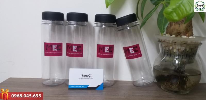 Bình nước làm quà tặng