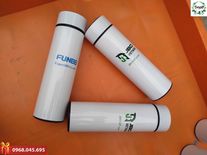 Bình giữ nhiệt báo nhiệt độ logo Fun88