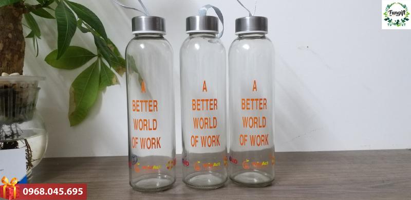 Chai thủy tinh đựng nước quà tặng