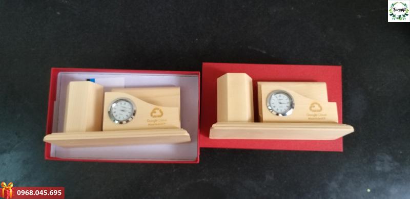 Đồng hồ để bàn bằng gỗ
