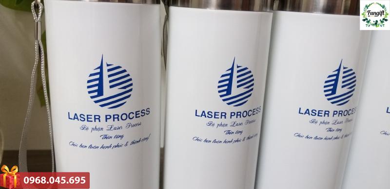 In ấn logo lên bình giữ nhiệt