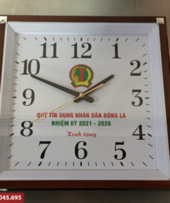 Đồng hồ treo tường công ty làm quà tặng
