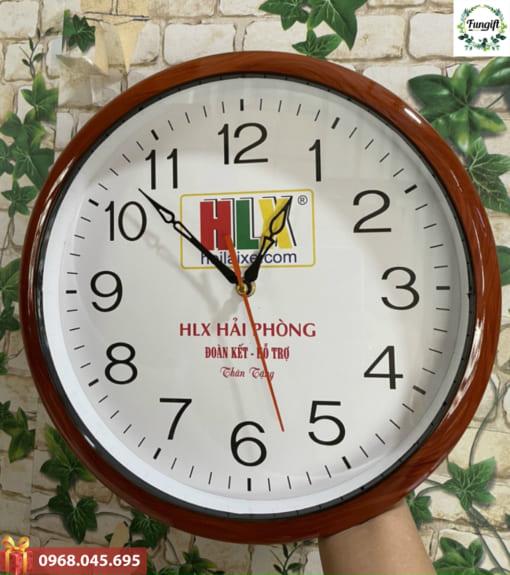 Đồng hồ treo tường làm quà tặng khách hàng