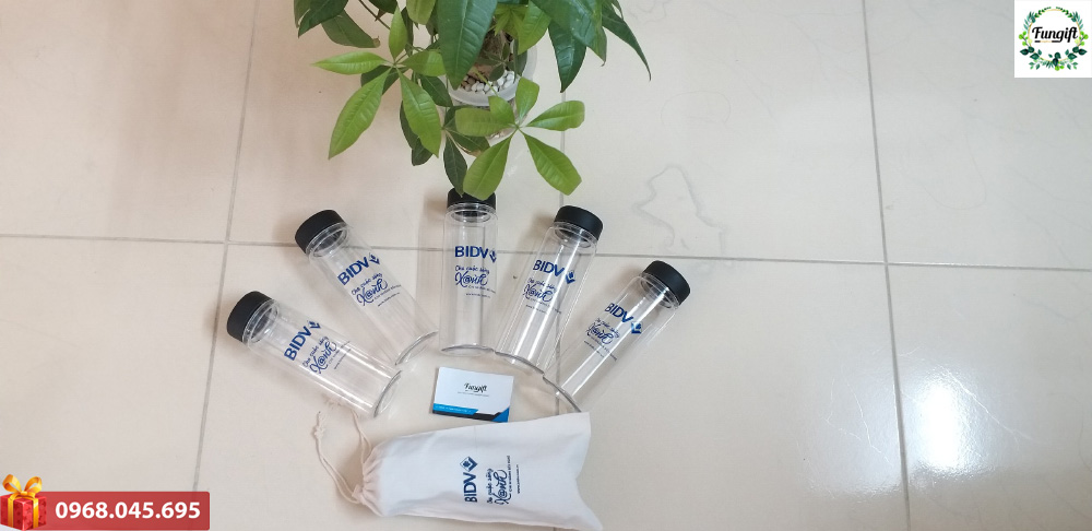 In bình nước nhựa theo yêu cầu