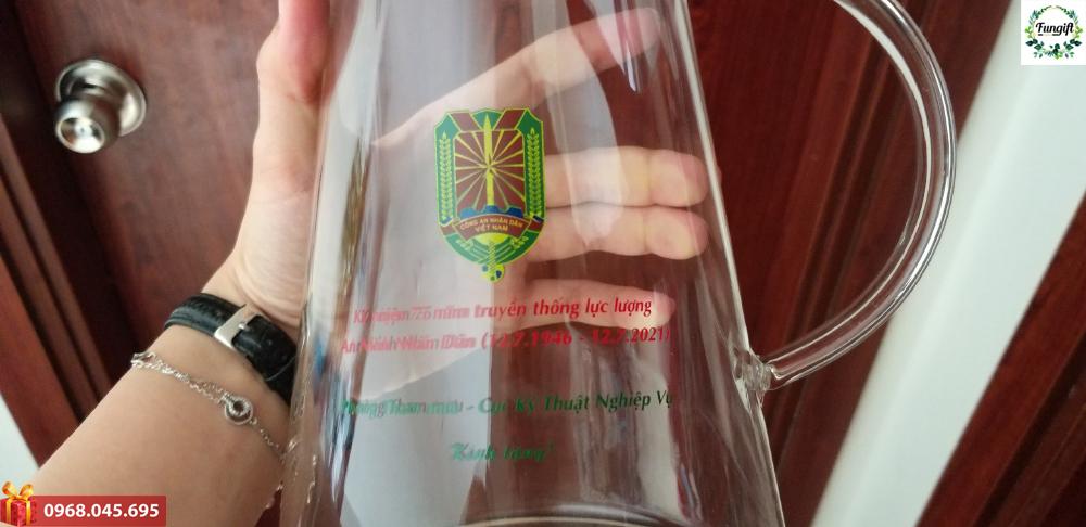Bình thuỷ tinh đựng nước in logo