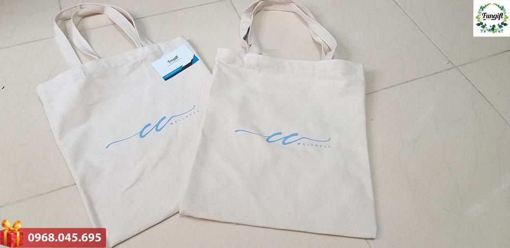 Túi xách in logo công ty