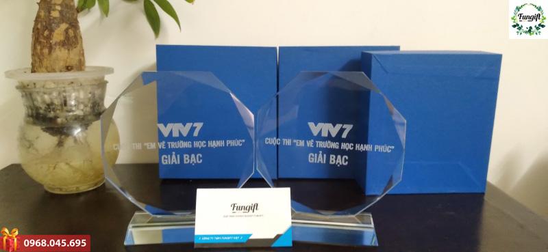 Cúp pha lê in logo VTV7